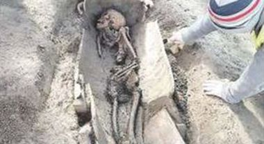 Napoli – Afragola, scavi dell'alta velocità, scoperta una necropoli cristiana – Piuenne
